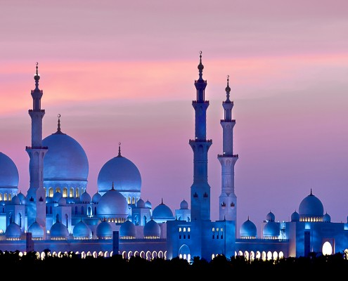 Sheikh-Zayed-Grand-Mosque-one-of-Abu-Dhabi's-key-landmarks-and-most-visited-attractions.